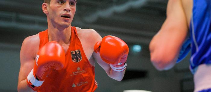 Boxer Murat Yildirim im Kampf gegen Mihail Cvasiuc.